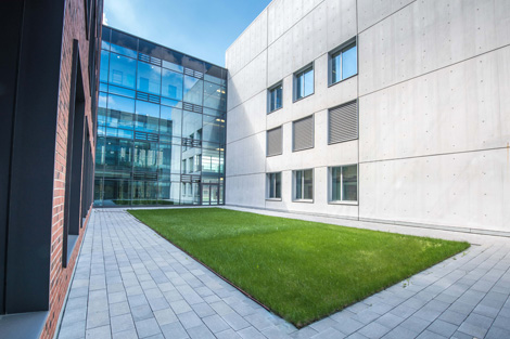 The BSL-4 laboratory. View from the courtyard of the newly erected laboratory and office building at the Seestraße site of the Robert Koch Institute. Source: Hans-Günter Bredow / RKI
