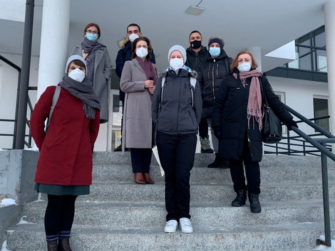 Local staff members and the RKI team in the Regional Public Health Laboratory in Mitrovica, Kosovo