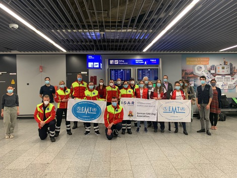 Mission participants before departure at Frankfurt Airport, 17 October 2020.