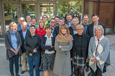 Members of the Advisory Committee of the German Centre for Cancer Registry Data. Source: © RKI
