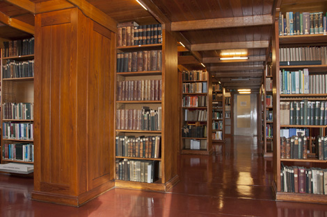 The library's reading room at the headquarters. Source: RKI